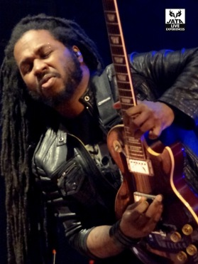 Karim Attoumane, guitariste idéal !