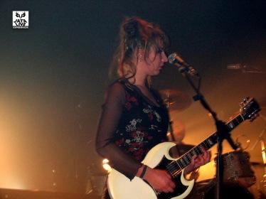 En ce temps-là, Estelle jouait encore de la guitare.