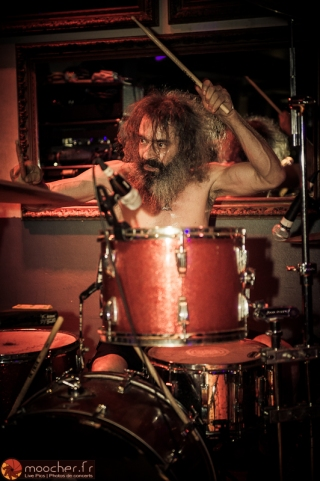 Rob Oswald, l'étonnant batteur de KARMA TO BURN.