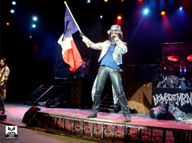 Alice salut la France.